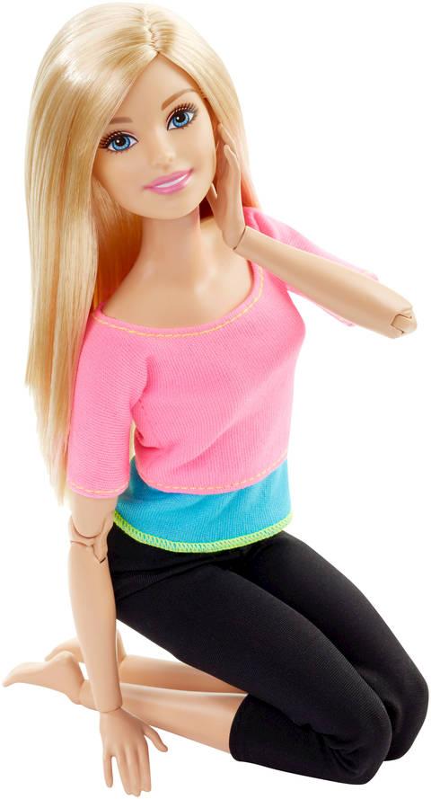 barbie сидит